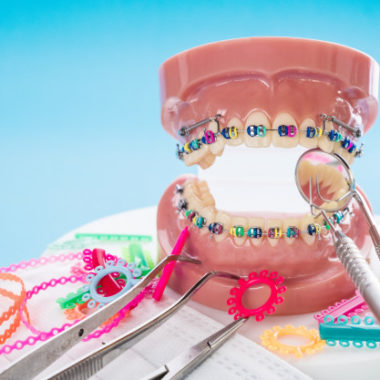close-up-orthodontic-model-dentist-tool_60829-318